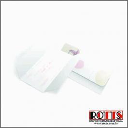 CLÁSSICO 02 Envelope Aspen Perolizado 180g 100x148mm 4x4 Sem Verniz Corte e Vinco Padrão