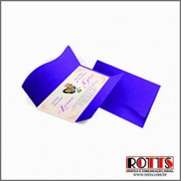 CLASSICOS 08 - AMSTERDAN Envelope Color Plus Amsterdan 180g 142x210mm 4x0 Lâmina Couchê 250g Corte e Vinco Padrão Sem Verniz