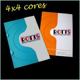 PASTAS 4x4 cores Cartão 300g/m² Aberto: 44x32 cm  Fechado: 22x32 cm 4x4 Laminação BOPP Fosca Frente e Verso c/ Verniz UV Local Frente Corte vinco