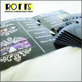 PASTAS Cartão 250g/m² Aberto: 44x32 cm Fechado: 22x32 cm 4x4 Verniz Total Brilho Frente Corte vinco