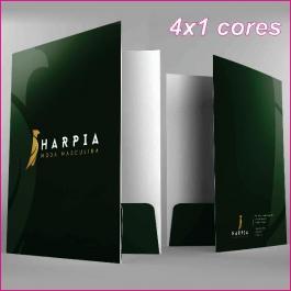 PASTAS Cartão 250g/m² Aberto: 47,3x39,2 cm Fechado: 22x31 cm 4x1  Verniz Total Brilho Frente Corte vinco